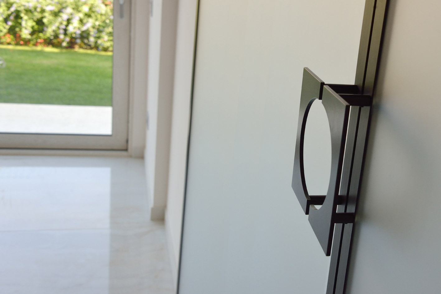 maniglia porta vetro su misura simone casarotto design nero opaco