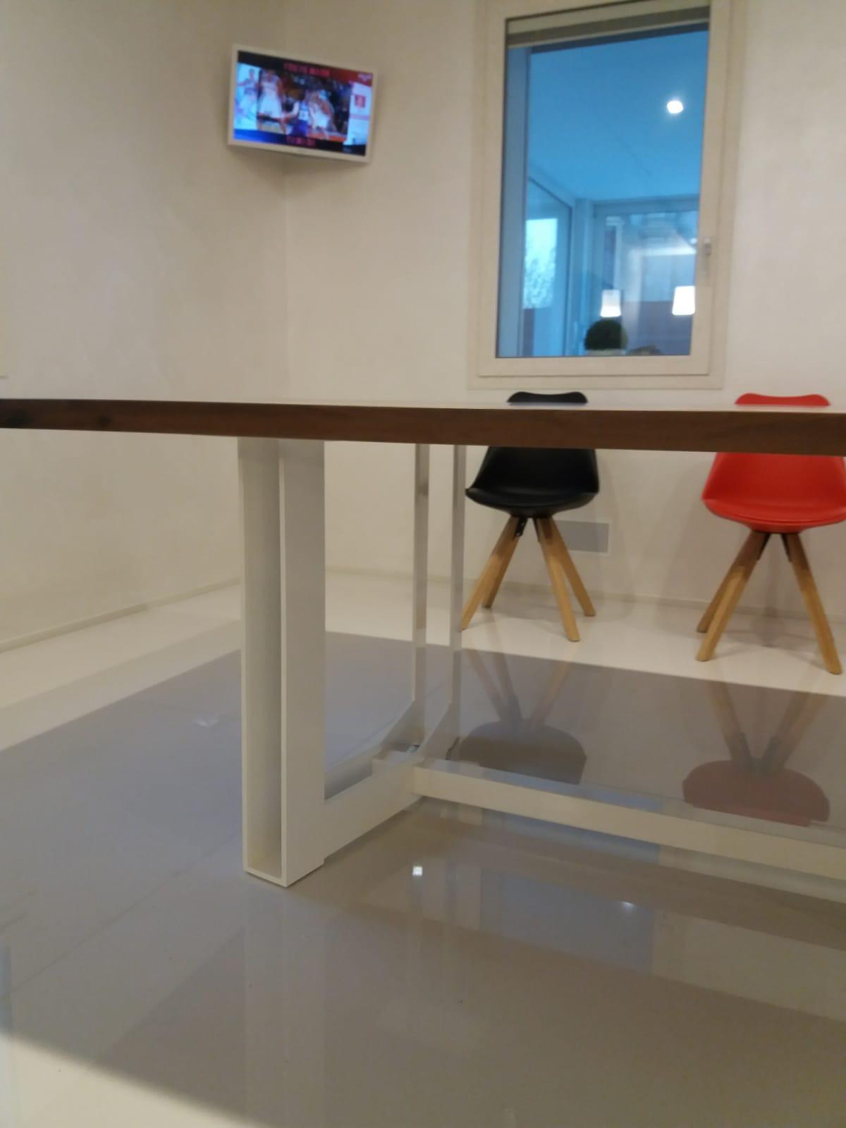 tavolo casarotto design legno noce nazionale resina foto 3