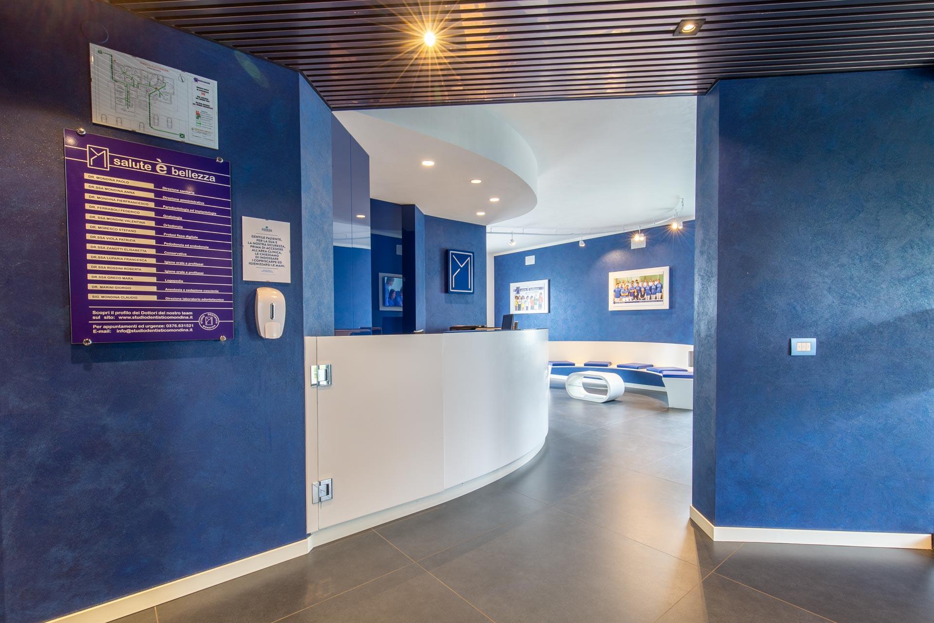 architettura interni progettazione arredamento negozi simone casarotto design studio dentistico mondina castiglione delle stiviere design arredatore mantova